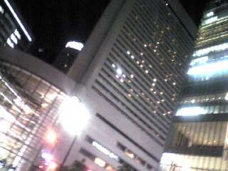 大阪駅から見えるビル